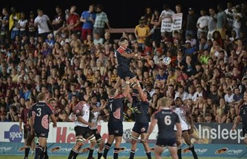 The Madibaz hoist lock Cameron Lindsay high into the air during a line-out in their semifinal game against NWU-Pukke in Potchefstroom on Monday night. Photo: Catherine Kotze/SASPA